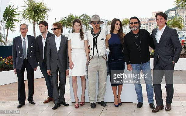 Actors Geoffrey Rush Sam Claflin producer Jerry Bruckheimer Astrid BergesFrisbey Johnny Depp Penelope Cruz Ian McShane and director Rob Marshall...