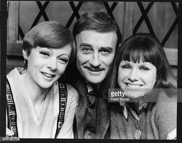 Actors Geraldine McEwan Edward Woodward and Jennie Linden at rehersals for the play 'On Approval' at the Haymarket Theatre London December 15th 1975