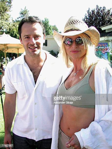 Actors Gil Bellows and Nicolette Sheridan attend the Hamilton Estate on Wildlife Waystation's 7th Annual Safari Brunch Benefit September 22 2001 in...