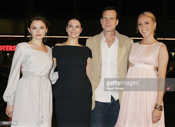 Actors Ginnifer Goodwin Jeanne Tripplehorn Bill Paxton and Chloe Sevigny pose at the premiere of the HBO Original Series Big Love at the Chinese...