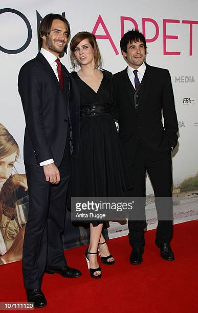 Actors Giulio Berruti actress Nora Tschirner and actor Unax Ugalde attend the 'Bon Appetit' Berlin premiere at Astor Film Lounge on November 24 2010...