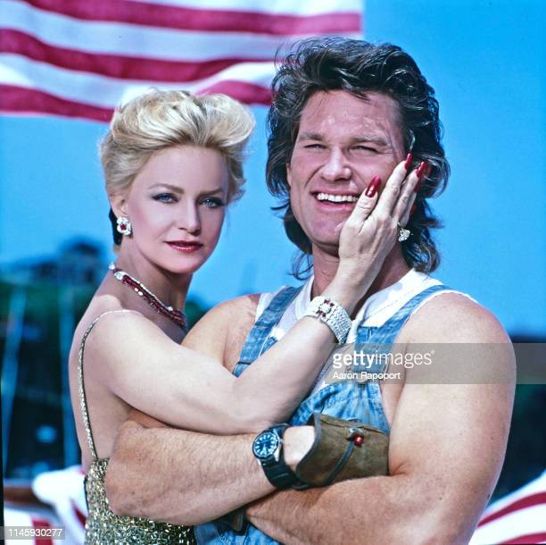 Actors Goldie Hawn and Kurt Russell pose for a portrait in October 1987 in Los Angeles California