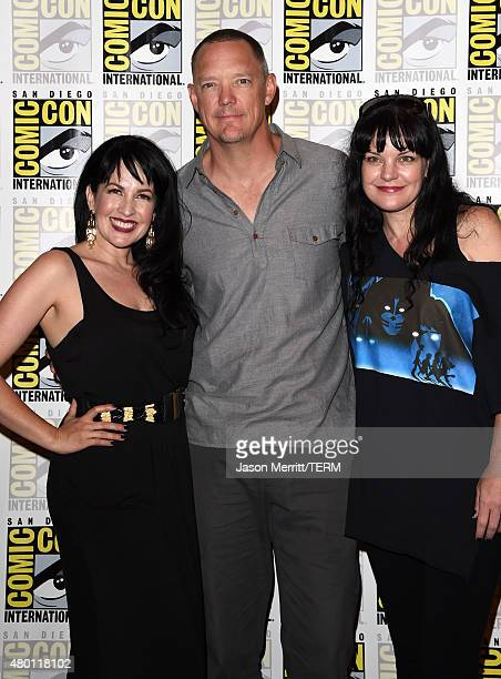 Actors Grey Griffin Matthew Lillard and Pauley Perrette attend the ScoobyDoo and Kiss Rock and Roll Mystery Press Room during ComicCon International...