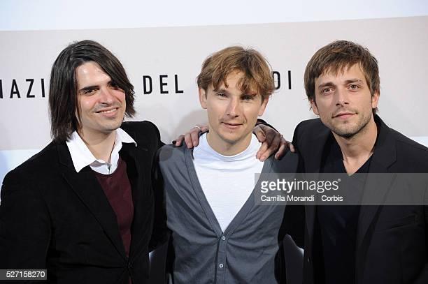 Actors Guillaume Quatravaux Julien Baumgartner and Lorant Deutsch attend the photo call of Le Plaisir de Chanter during the 2008 Rome International...