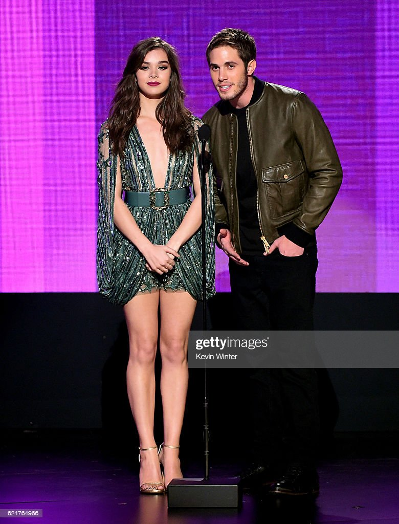 2016 American Music Awards - Show : News Photo