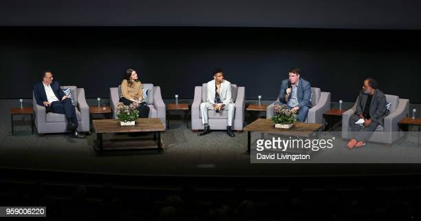 Actors Hank Azaria Amanda Peet and Tyrel Jackson Williams executive producer Joel ChurchCooper and moderator Greg Braxton attend the 'Brockmire' and...