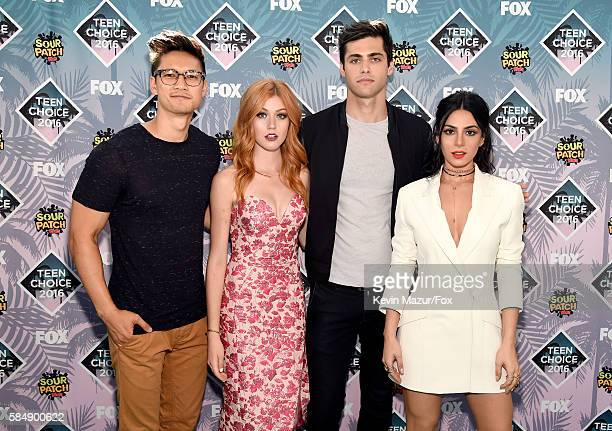 Actors Harry Shum Jr., Katherine McNamara, Matthew Daddario and Emeraude Toubia attend Teen Choice Awards 2016 at The Forum on July 31, 2016 in...