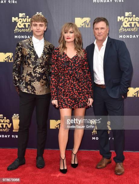 Actors Hart Denton Madchen Amick and Lochlyn Munrok attend the 2018 MTV Movie And TV Awards at Barker Hangar on June 16 2018 in Santa Monica...