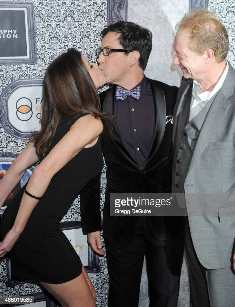 Actors Heather Dubrow Dan Bucatinsky and Jeff Perry arrive at the Family Equality Council's Annual Los Angeles Awards Dinner at The Globe Theatre on...