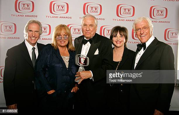 Actors Henry Winkler Penny Marshall Writer/producer Garry Marshall Cindy Williams and Dick Van Dyke pose for a portrait during the 6th annual TV Land...