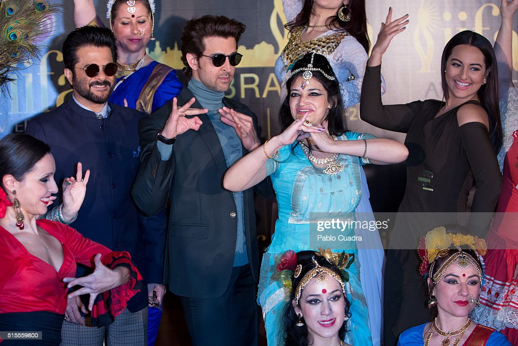 Actors Hrithik Roshan Sonakshi Sinha Anil Kapoor attend the 17th International Indian Film Academy awards press conference at the Retiro Park on...