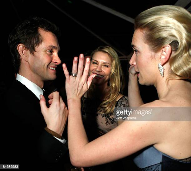 Actors Hugh Dancy Claire Danes and Kate Winslet attend the 2009 Vanity Fair Oscar party hosted by Graydon Carter at the Sunset Tower Hotel on...