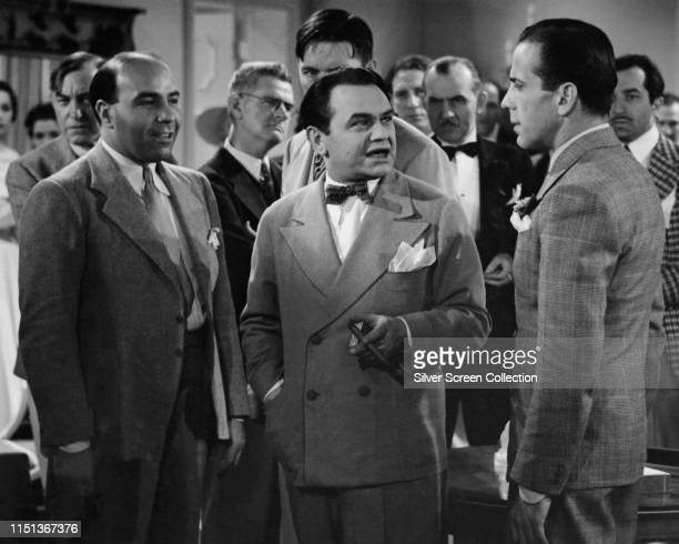 Actors Humphrey Bogart as Jack Buck and Edward G Robinson as Little John Sarto in the crime film 'Brother Orchid' 1940