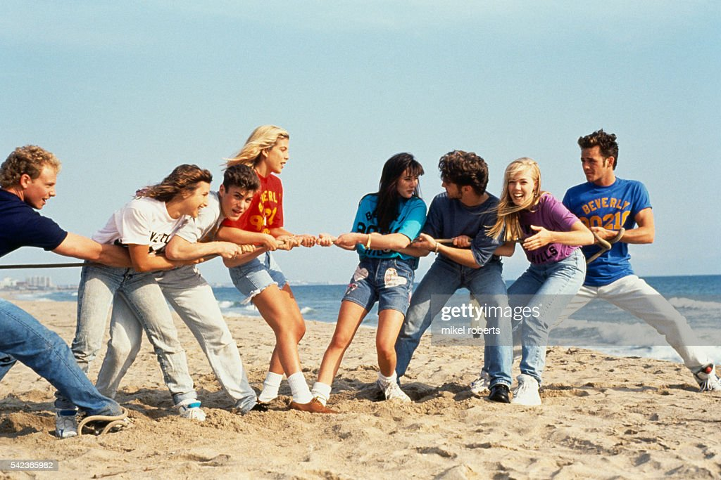 Cast of the TV Series Beverly Hills, 90210 : News Photo