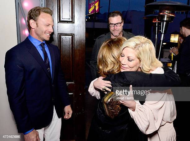 Actors Ian Ziering Gabrielle Carteris Dean McDermott and Tori Spelling attend an event hosted by WE tv and Ian Ziering to raise awareness for Canine...