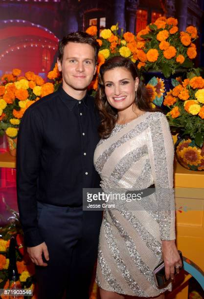 Actors Idina Menzel and Jonathan Groff of 'Olaf's Frozen Adventure' at the US Premiere of DisneyPixar's 'Coco' at the El Capitan Theatre on November...