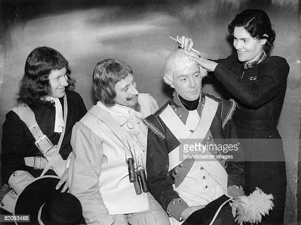 Actors in historic costumes Lord Mayors show Photograph London 1936 [Schauspieler in historischen Kostmen Lord Mayors show Photographie London 1936]