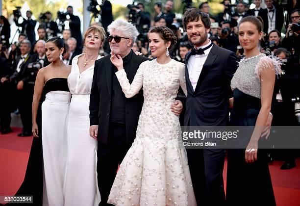 Actors Inma Cuesta Emma Suarez director Pedro Almodovar Adriana Ugarte Daniel Grao and Michelle Jenner attend the screening of Julieta at the annual...