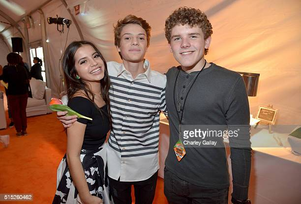 Actors Isabela Moner Jace Norman and Sean Ryan Fox attend Nickelodeon's 2016 Kids' Choice Awards at The Forum on March 12 2016 in Inglewood California