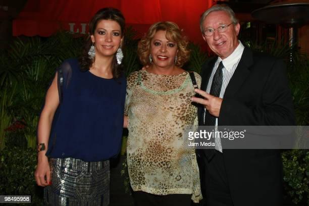 Actors Ivonne Soto Veronica Gallardo and Robert Alexander attend the presentation of the series Las Aparicio at Brasserie Lipp restaurant on April 15...