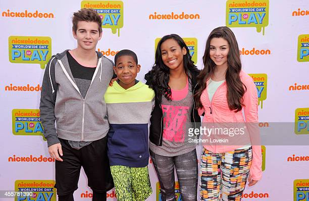 Actors Jack Griffo Tylen Jacob Williams Sydney Park and Kira Kosarin attend Nickelodeon's 11th Annual Worldwide Day of Play at Prospect Park on...