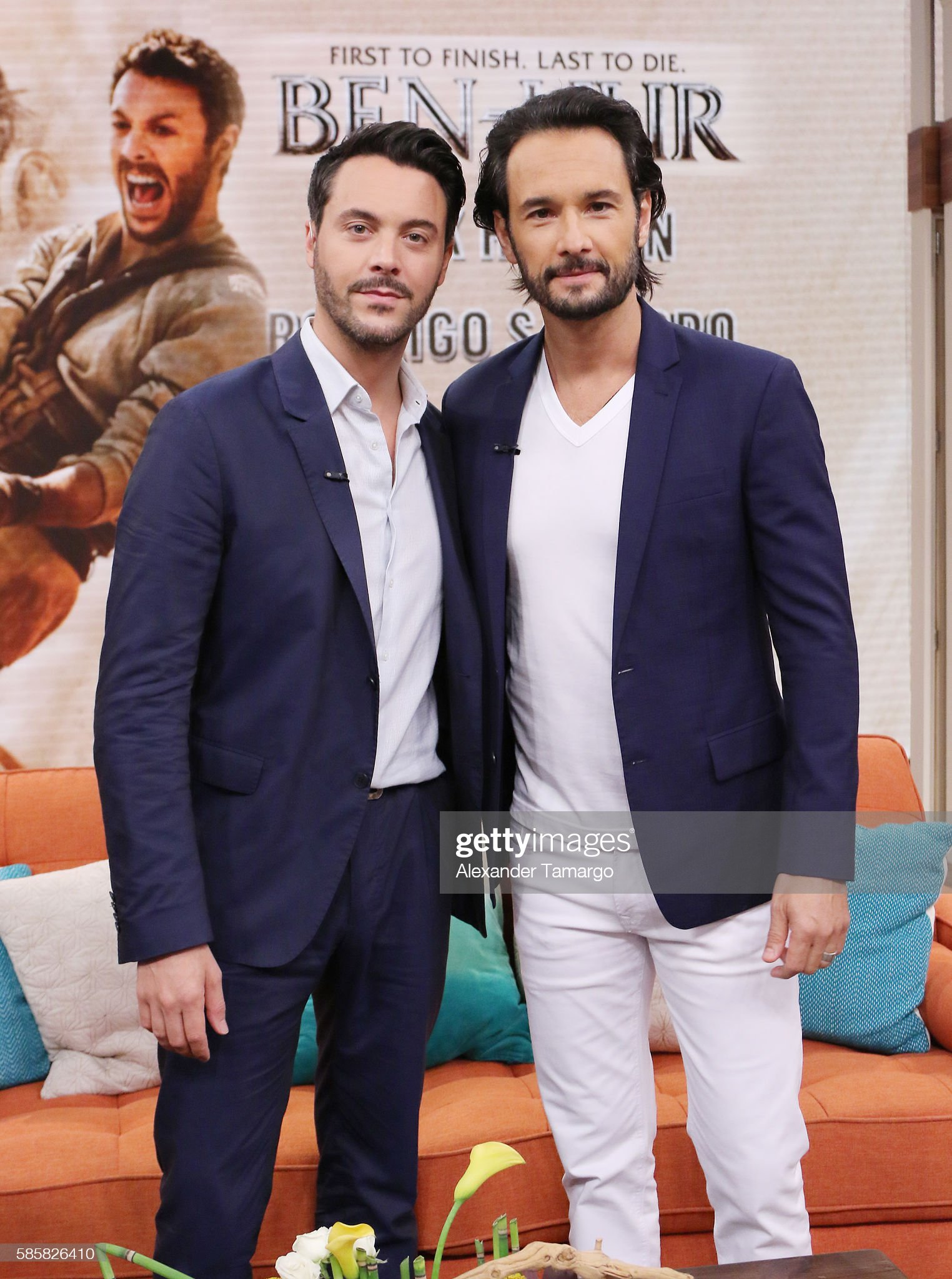 ¿Cuánto mide Rodrigo Santoro? - Altura - Real height Actors-jack-huston-and-rodrigo-santoro-are-seen-on-the-set-of-to-picture-id585826410?s=2048x2048