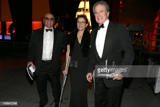 Actors Jack Nicholson Annette Bening and Warren Beatty attend the 40th AFI Life Achievement Award honoring Shirley MacLaine held at Sony Pictures...