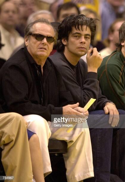 Actors Jack Nicholson left and Benicio Del Toro enjoy courtside seats at the Los Angeles LakersHouston Rockets game November 12 2000 in Los Angeles CA