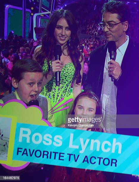 Actors Jackson Brundage Ryan Newman Scott Baio and Bailey Michelle Brown present the Favorite TV Actor Award during Nickelodeon's 26th Annual Kids'...