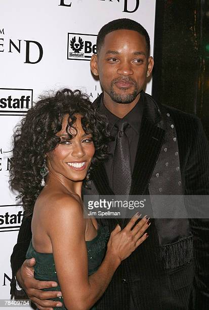 Actors Jada PinkettSmith and Will Smith arrive at the I Am Legend New York Premiere at the Theater at Madison Square Garden on December 11 2007 in...
