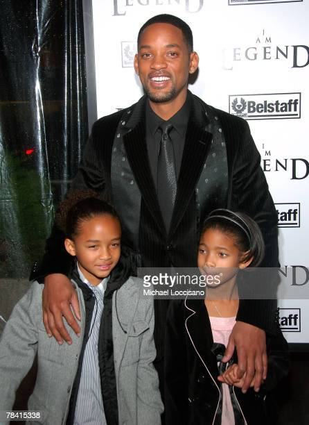 """Actors Jalen Smith, Will Smith and Willow Smith attend """"I am Legend"""" premiere at the WaMu Theater at Madison Square Garden on December 11, 2007 in..."""