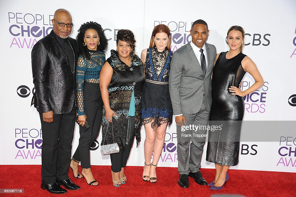 Actors James Pickens Jr., Kelly McCreary, Chandra Wilson, Sarah Drew, Jason Winston George and Camilla Luddington attend the People's Choice Awards 2017 at Microsoft Theater on January 18, 2017 in Los Angeles, California.