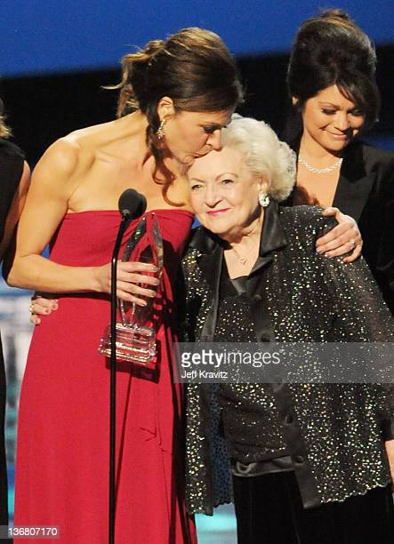 Actors Jane Leeves Betty White and Valerie Bertinelli onstage at the 2012 People's Choice Awards at Nokia Theatre LA Live on January 11 2012 in Los...