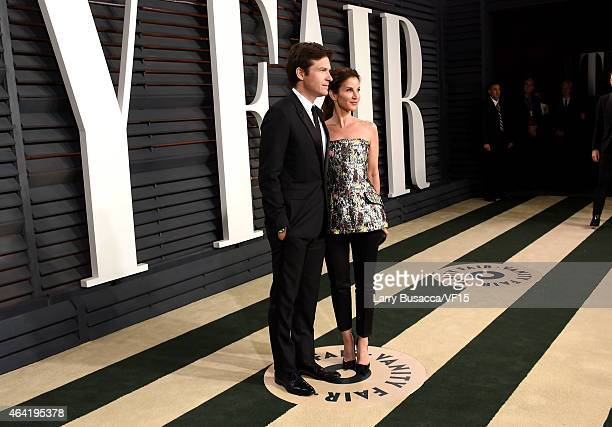 Actors Jason Bateman and Amanda Anka attend the 2015 Vanity Fair Oscar Party hosted by Graydon Carter at the Wallis Annenberg Center for the...