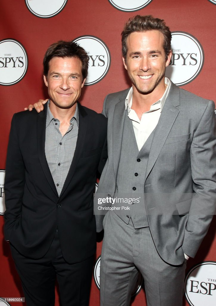 Actors Jason Bateman and Ryan Reynolds attend The 2011 ESPY Awards at Nokia Theatre L.A. Live on July 13, 2011 in Los Angeles, California.