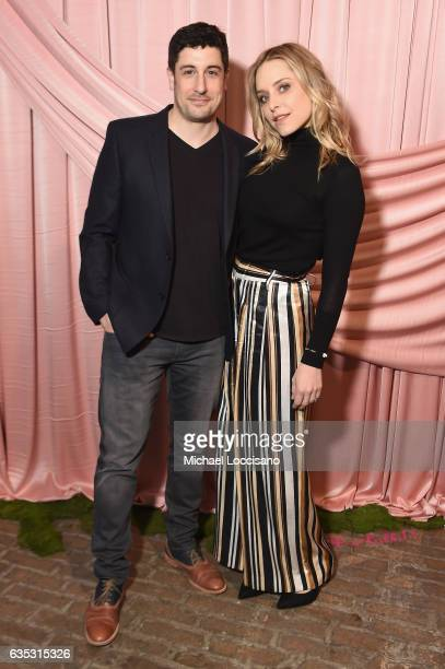 Actors Jason Biggs and Jenny Mollen attend the alice olivia by Stacey Bendet Fall 2017 Presentation at Highline Stages on February 14 2017 in New...