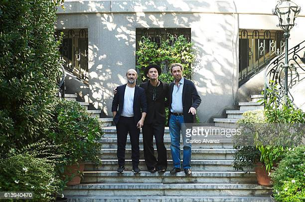 Actors Javier Camara Jude Law and director Paolo Sorrentino attend 'The Young Pope' photocall at the Italian Embassy on October 11 2016 in Madrid...