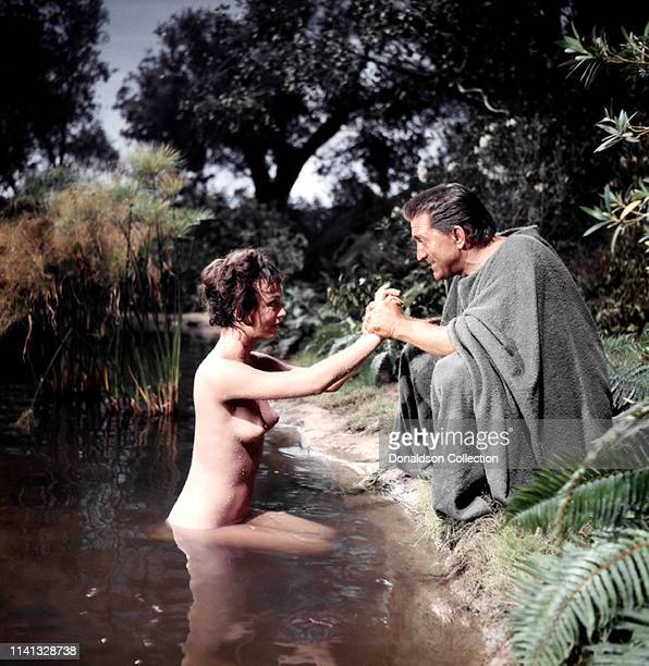 Actors Jean Simmons and Kirk Douglas on the set of the 1960 film 'Spartacus'