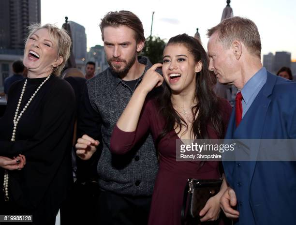 Actors Jean Smart Dan Stevens Amber Midthunder and Bill Irwin attend the Entertainment Weekly and FX After Dark event at the EW Studio during...