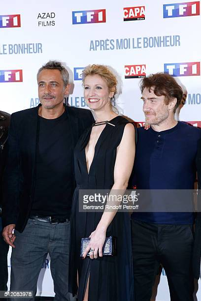 Actors JeanMichel Tinivelli Alexandra Lamy and Thierry Fremont attend the 'Apres Moi Le Bonheur' Paris Photocall at Cinema Gaumont Marignan on...