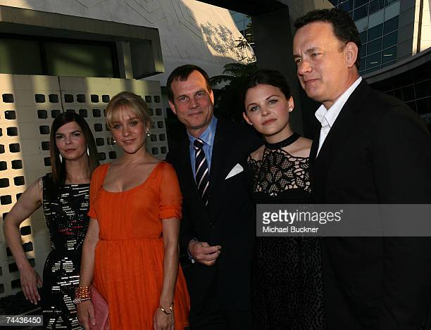 Actors Jeanne Tripplehorn Chloe Sevigny Bill Paxton Ginnifer Goodwin and producer Tom Hanks arrive at the premiere of HBO's Big Love at the Cinerama...