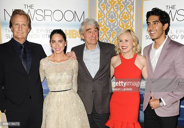 Actors Jeff Daniels Olivia Munn Sam Waterston Alison Pill and Dev Patel attend the premiere of 'The Newsroom' at DGA Theater on November 4 2014 in...