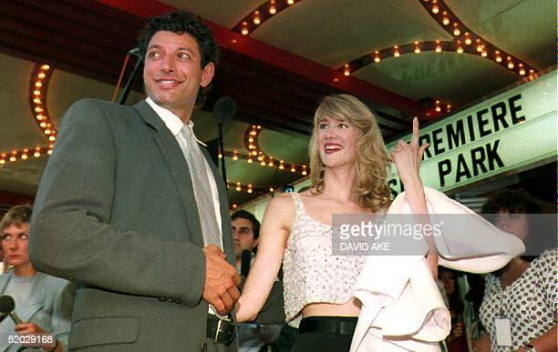 Actors Jeff Goldblum and Laura Dern arrive for the world premiere of the movie Jurassic Park in Washington 09 June 1993 The new Steven Spielberg...