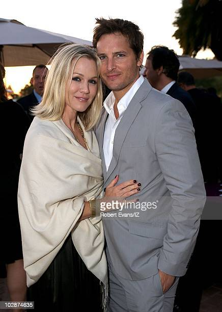 **EXCLUSIVE** Actors Jennie Garth and husband Peter Facinelli pose during Beverly Hills 90210Õs Ian Ziering and Erin Ludwig wedding celebration held...