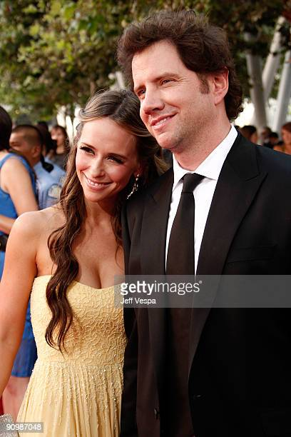 Actors Jennifer Love Hewitt and Jamie Kennedy arrives at the 61st Primetime Emmy Awards held at the Nokia Theatre on September 20 2009 in Los Angeles...