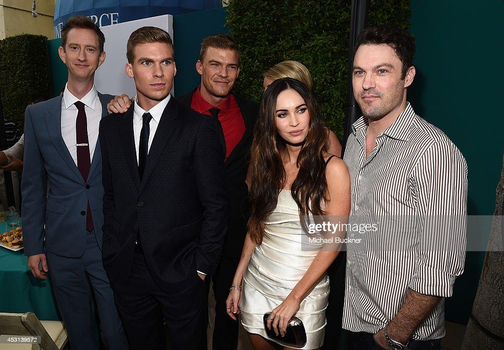 Actors Jeremy Howard, Pete Ploszek, Alan Ritchson, Megan Fox And... Foto Di Attualità
