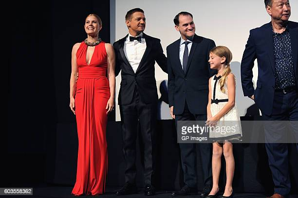 Actors Jeremy Renner Amy Adams Michael Stuhlbarg Abigail Pniowsky and Tzi Ma attend the 'Arrival' premiere during the 2016 Toronto International Film...