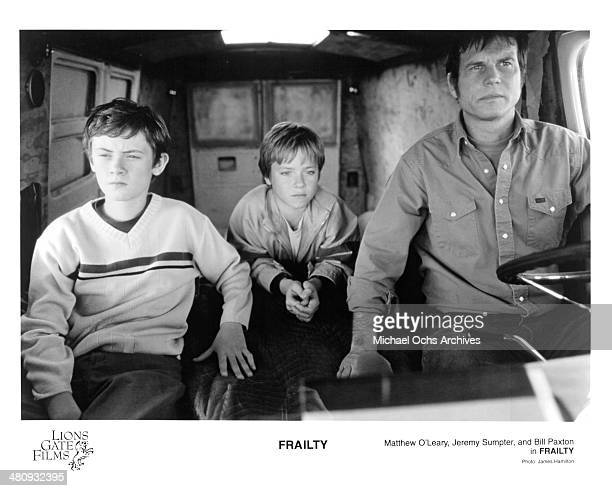 Actors Jeremy Sumpter Matt O'Leary and Bill Paxton in a scene from the Lions Gate Films movie Frailty circa 2001