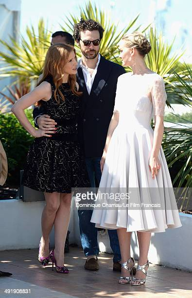Actors Jess Weixler Gian Luca Passi De Preposulo and Jessica Chastain attend The Disappearance Of Eleanor Rigby photocall at the 67th Annual Cannes...