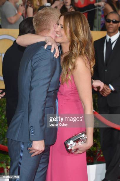 Actors Jesse Tyler Ferguson and Julia Roberts attend the 20th Annual Screen Actors Guild Awards at The Shrine Auditorium on January 18 2014 in Los...
